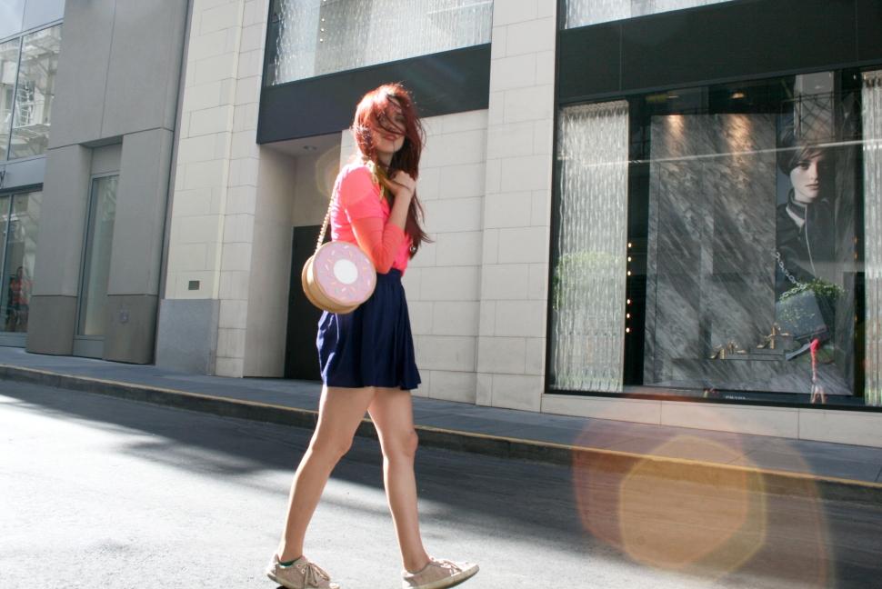 Redhead hair toss, Donut handbag
