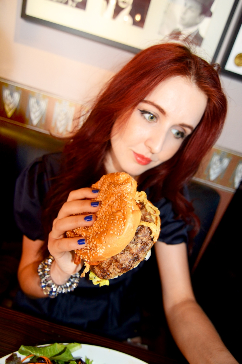 Cheeseburger, Juliana Stoy, Best Burger Bay Area, Grass Fed Burger South Bay, Northern California Food Blog, Fashion Blog San Francisco