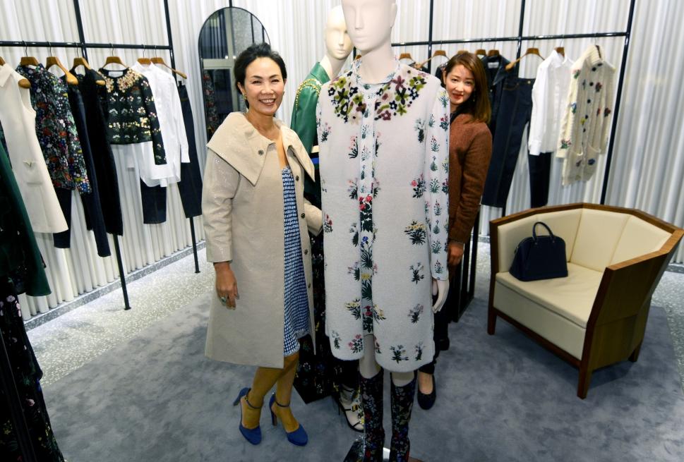 Xiaojun Lee