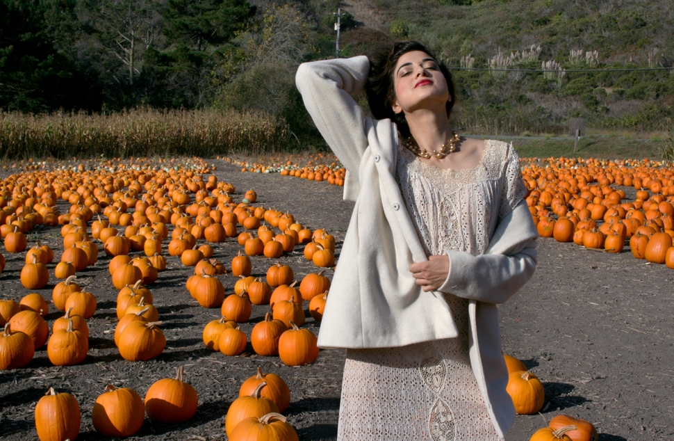 Fashion Blogger, It Girl, Artist, Fashion Editorial, Fall 2015 Editorial, Fashion Editorial, OOTD, Fashionista, Pumpkin, October, Halloween, Outfit, Look