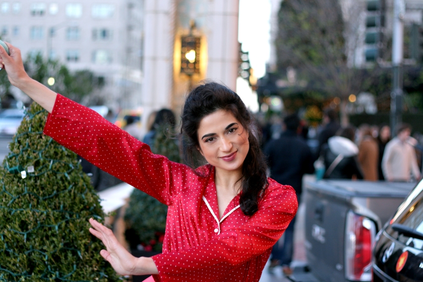 cute outfits, winter outfits, fall outfits, Christmas party dresses, Christmas in San Francisco, San Francisco Travel, Things to do in San Francisco, top fashion bloggers, best blogs, fashion blogs, San Francisco fashion blog, popular fashion blogs, Golden Gate Bridge Streetstyle, Fairmont San Francisco