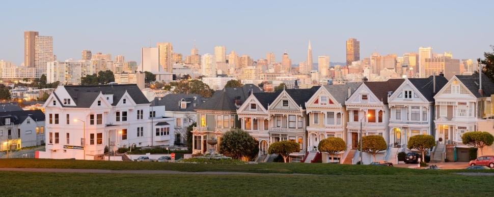 Painted_Ladies_San_Francisco_January_2013_panorama_2