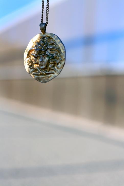 Top Fashion Blogs, San Francisco Fashion Blog, The Italian Woman, Dolce and Gabbana, Vogue Italia, Italian Summer Fashion Editorial, How to be confident, Kiki Jewels, Versace Gold Medusa Necklace.